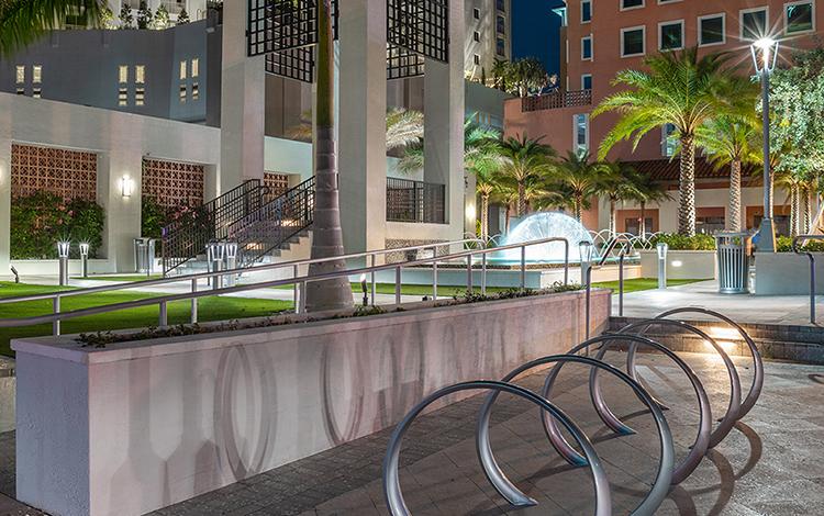Landscape Forms Columbus Center Plaza