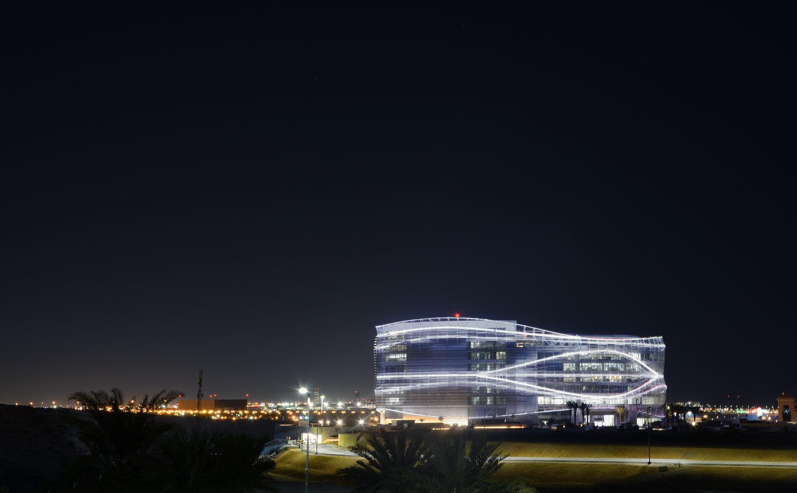 Linea Light Omantel HQ
