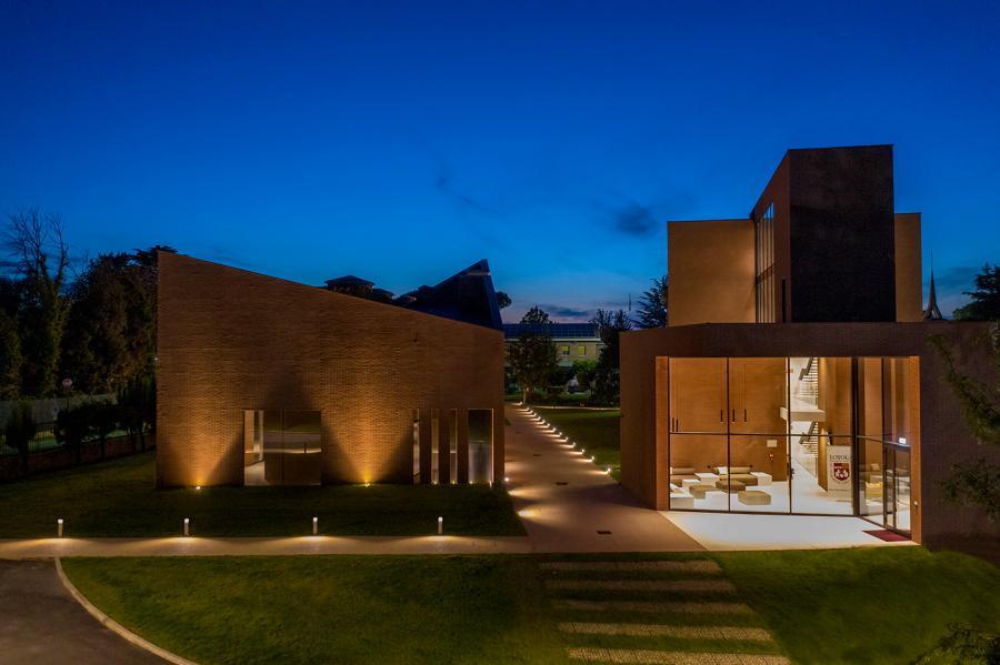 Luce & Light John Felice Campus, Loyola University Chicago